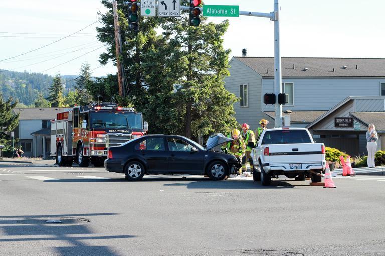 dopravní nehoda se záchrannou složkou