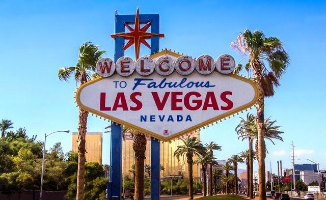 v Las Vegas to žije na každém kroku.jpg