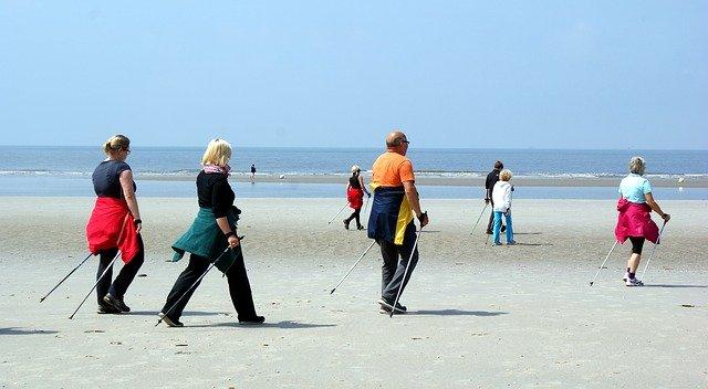 treking na mořské pláži
